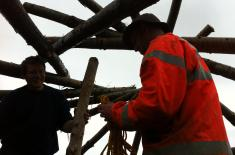 Reciprocal barn roof going up